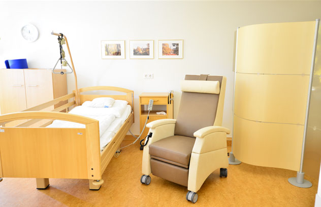 multicare pflegesessel 93513460r kunstleder - Referenzen - Krankenhausmöbel
